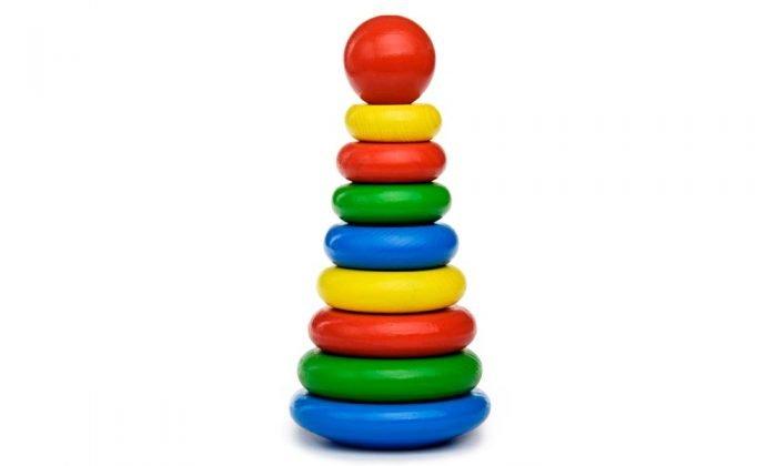 пирамидка с цветными кольцами