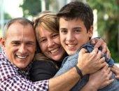 подросток с родителями