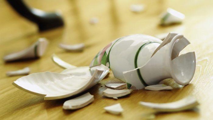 Разбитая ваза