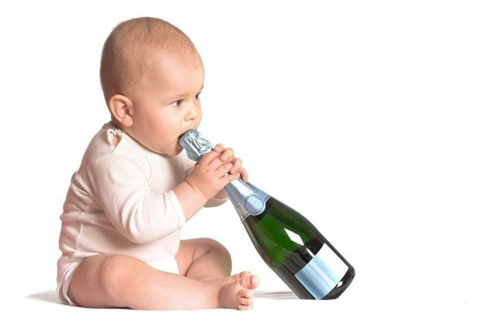 малыш с шампанским