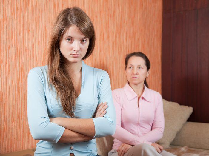 Дочь обижена на мать
