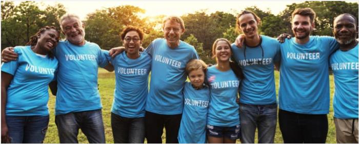 Команда волонтёров: дети и родители