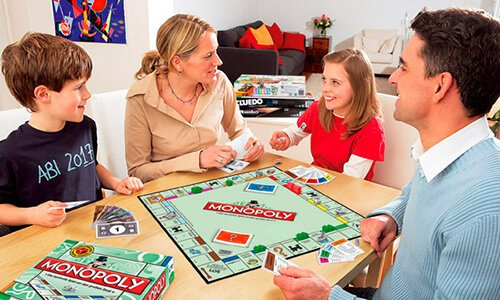 Семейная настольная игра