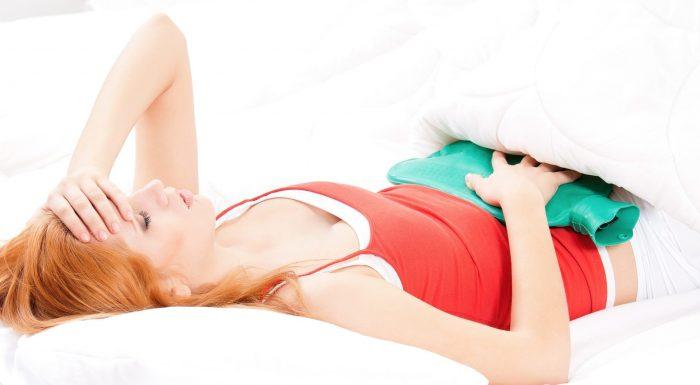 Лежащая женщина