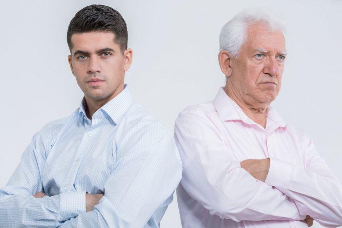 Отец недоволен выбором взрослого сына