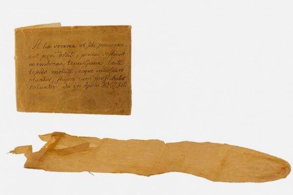 Презерватив из кишок животных, используемый в 17 веке