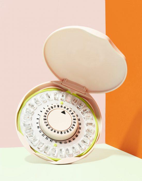 Коробочка для хранения противозачаточных таблеток