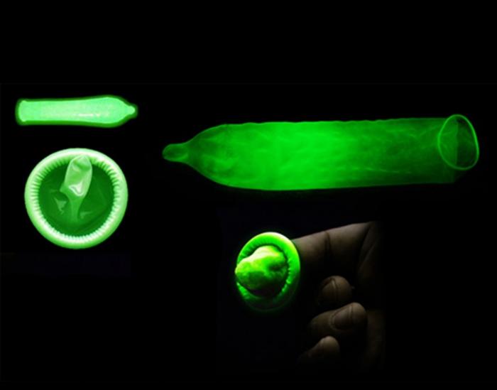 Светящийся презерватив