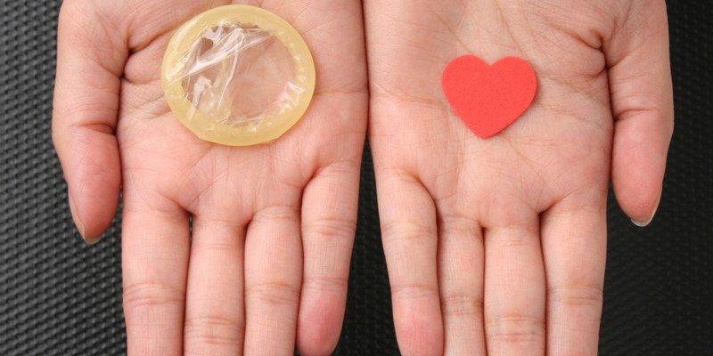 Порванный презерватив: как избежать неприятностей