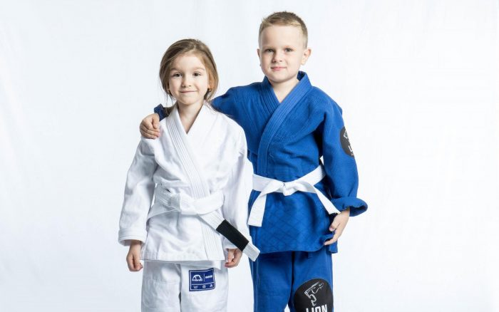 Дети в кимоно