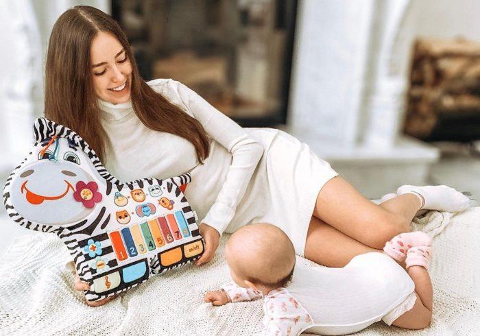 Анастасия Костенко с дочерью