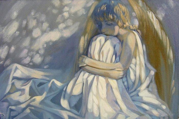 Грустный ангел сиди, обхватив колени