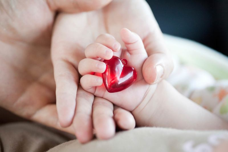 Стоит ли давать ребёнку имя отца или матери