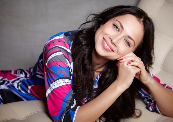 Актриса, певица и телеведущая Настасья Самбурская
