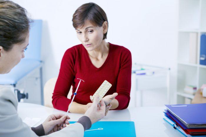 Женщина в кабинете гинеколога