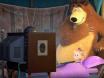 Маша смотрит мультик перед сном