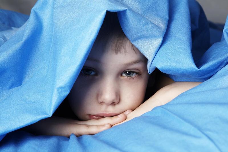 Ребёнок плохо спит ночью: причины и решения проблемы