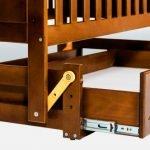 Кроватка с маятником для укачивания