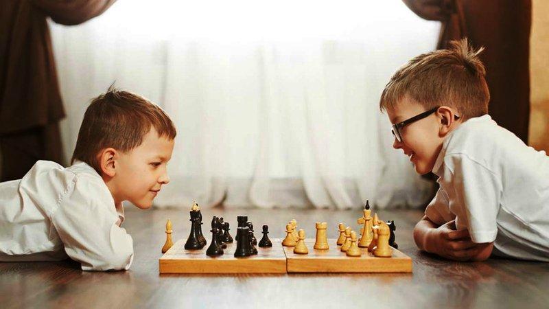 Во что играют настоящие мужчины:подборка домашних игр для мальчиков