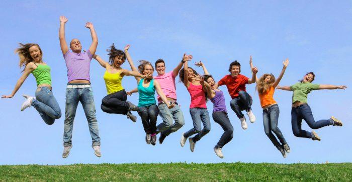 фото подростков в прыжке