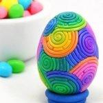 Декор пластилином деревянного яйца