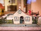 старинный игрушечный домик