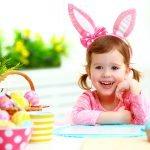 Девочка с ушками пасхального кролика