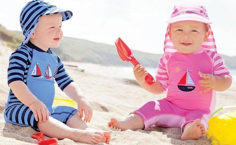 Тотальная защита ребёнка на пляже: солнцезащитная одежда