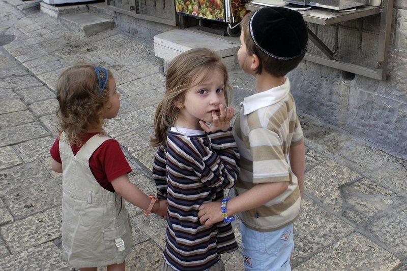 Популярные во всём мире еврейские имена: происхождение, значение и характер