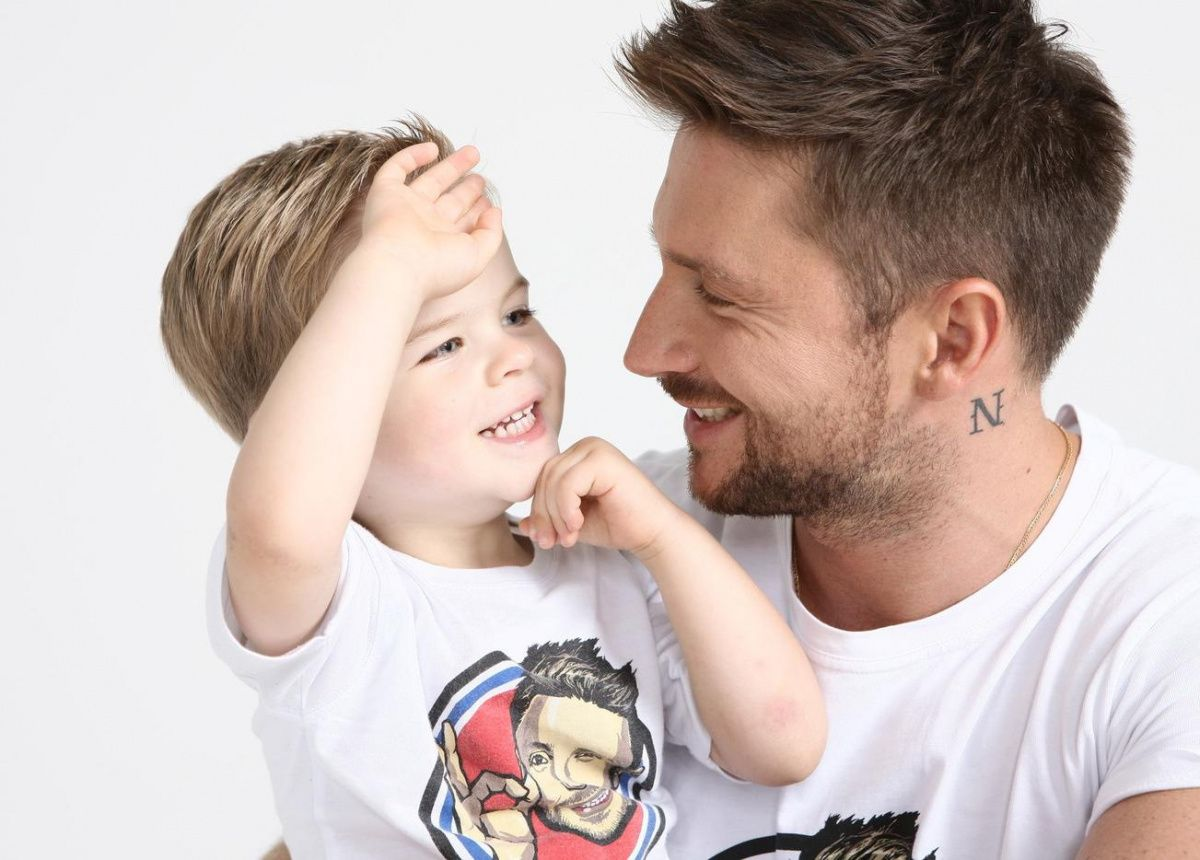 Тест «Звёздный мальчик»: угадайте знаменитость по фото сына