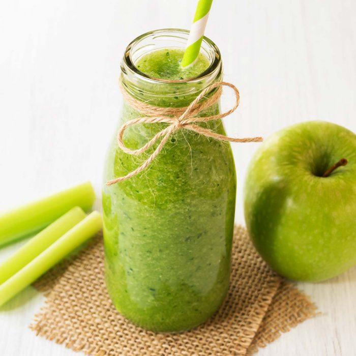Смузи с яблоком и сельдереем