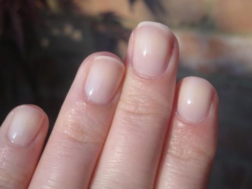 ногти с прозрачным лаком
