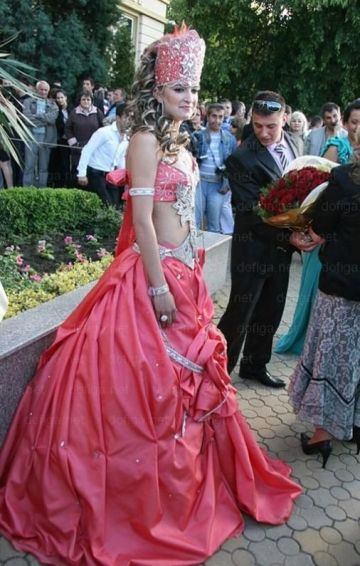 Девушка в восточном платье