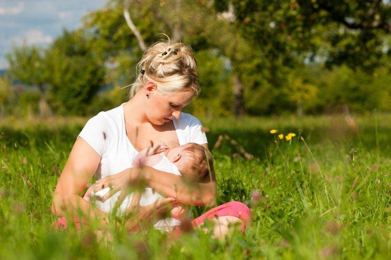 Можно ли летом прекращать грудное вскармливание: бабушкины советы и мнение педиатров