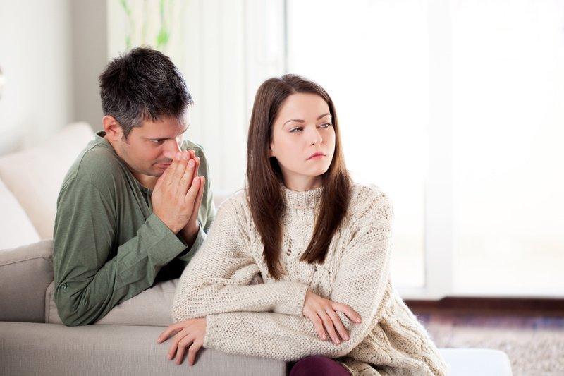 Почему мужчины забывают про годовщину свадьбы: мнения психологов и других экспертов