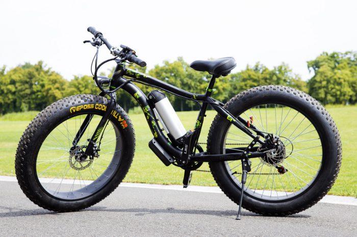 крутой велосипед на шинах fat