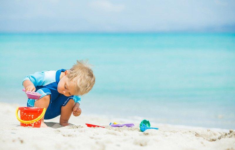 Солнечный удар у ребёнка: симптомы, первая помощь и дальнейшее лечение