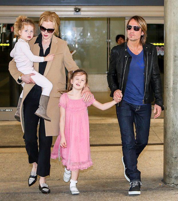 Николь Кидман с детьми