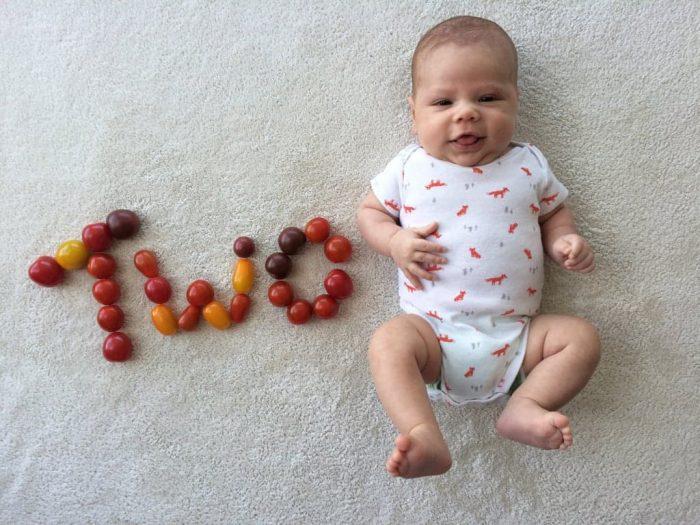 малыш 2 месяцев