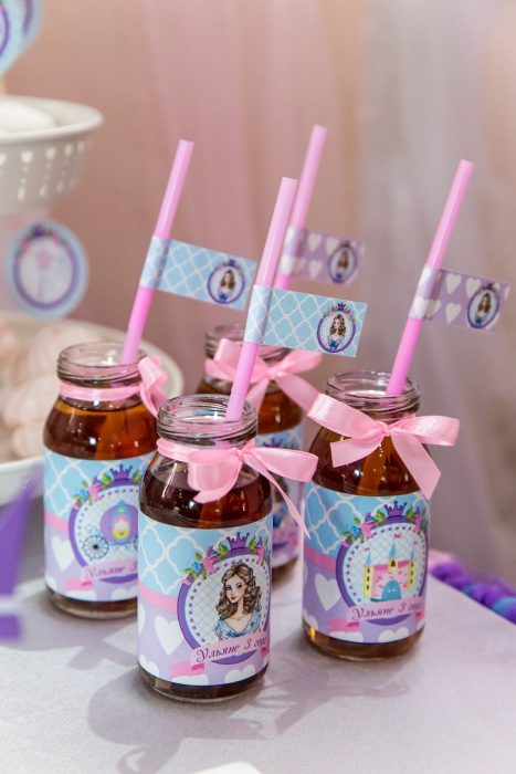 бутылочки с соком для дня рождения девочки