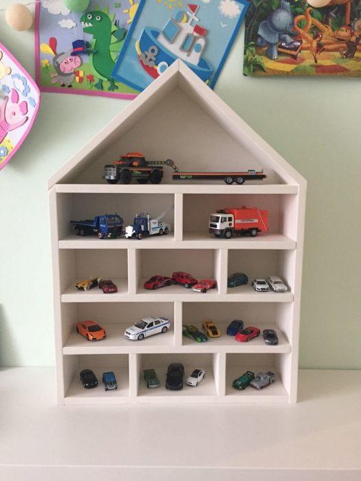 стеллаж-домик для детской