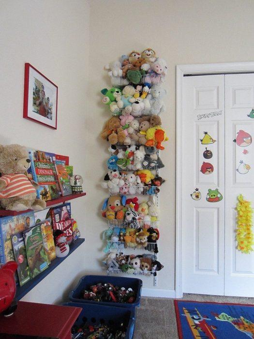 металлические сетки для игрушек на стену
