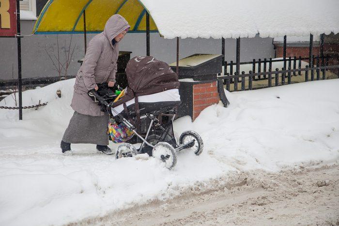 коляска не едет по снегу
