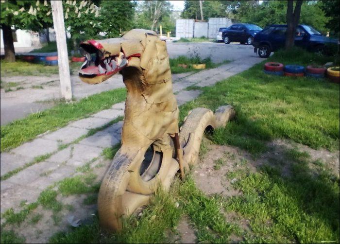 собака из шин