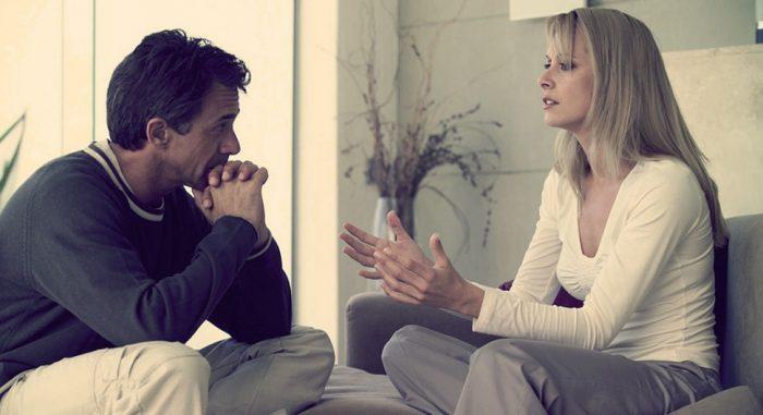 Спокойный разговор между мужем и женой