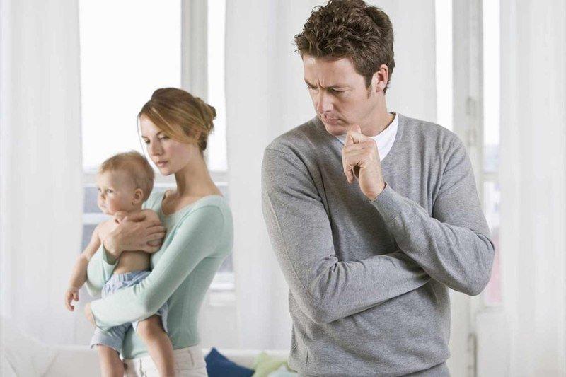 Почему муж не помогает с детьми: 3 главные причины