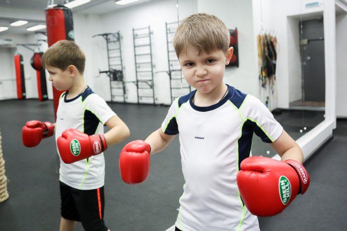 Мальчик в секции бокса