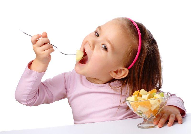 Фруктовые салаты с йогуртом для детей: 6 вкуснейших рецептов