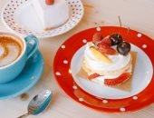 чашка кофе и торт