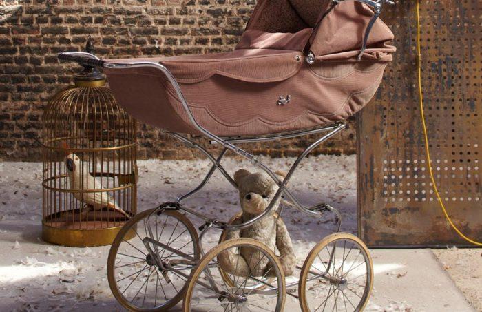 старинная детская коляска